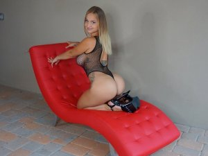 Aintzane erotic massage in Fort Bliss
