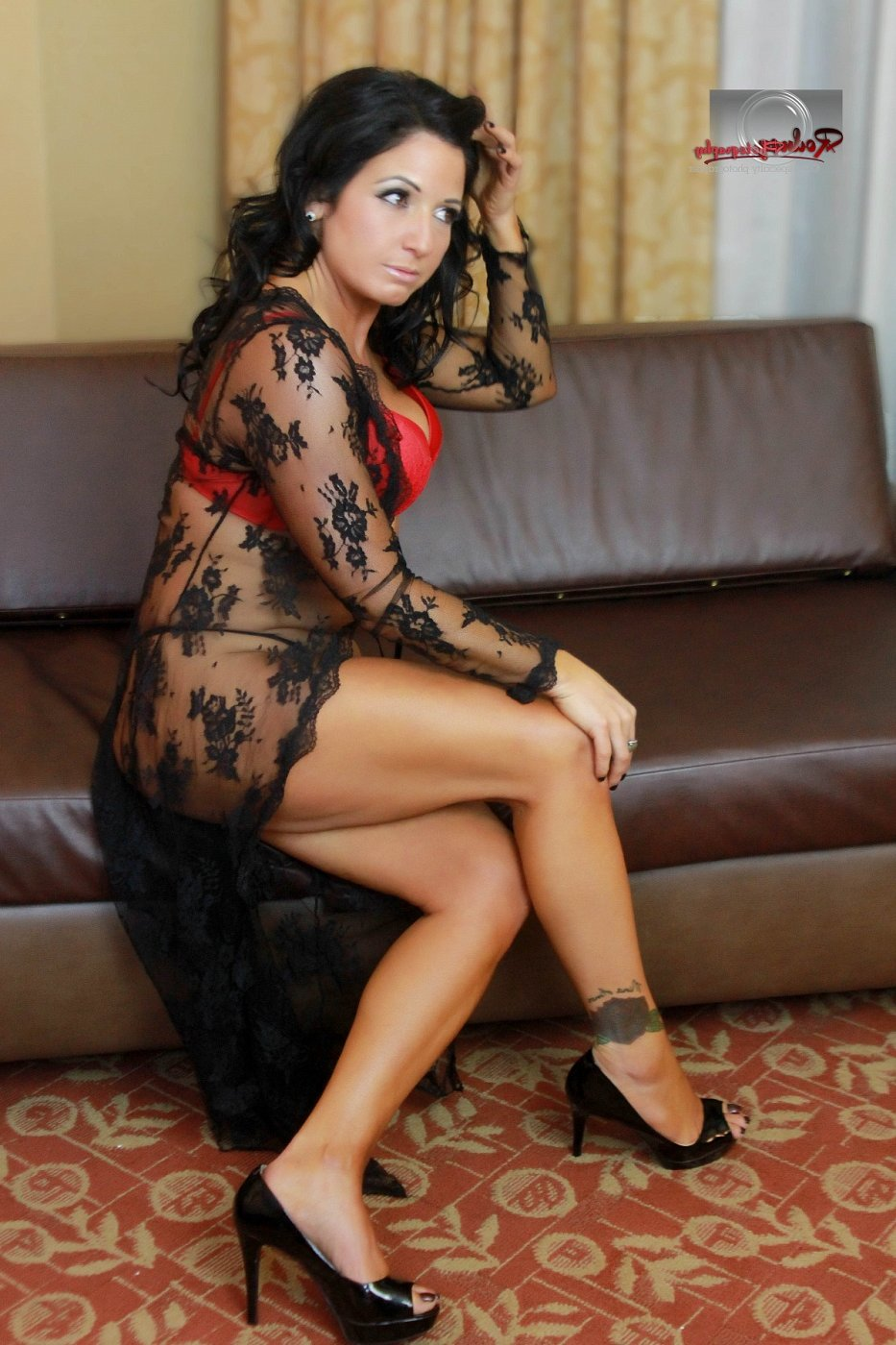 nuru massage in Cudahy