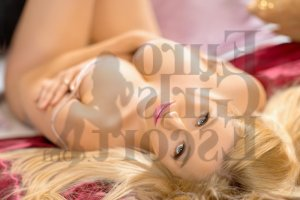 Virna happy ending massage in Frankfort Indiana