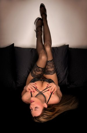 Delila erotic massage in Hanover
