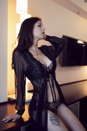 Anne-violaine nuru massage
